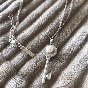 Vantel Pearls Treasure Key Necklace